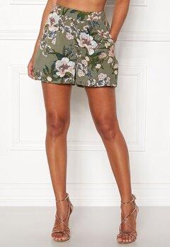 Happy Holly Fredrika shorts Khaki green / Patterned Bubbleroom.se