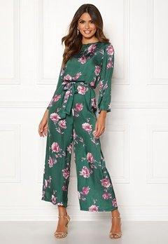 Happy Holly Irma 3/4 jumpsuit  Khaki green / Patterned Bubbleroom.se