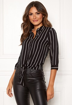 Happy Holly Juliette ss knot shirt Black / Striped Bubbleroom.se