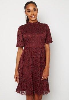 Happy Holly Li lace dress Wine-red Bubbleroom.se
