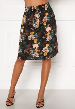 Happy Holly Lina beach skirt Black / Floral Bubbleroom.se
