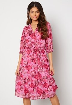 Happy Holly Linn midi dress Pink Bubbleroom.se