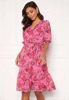 Happy Holly Linn midi dress Pink Bubbleroom.se