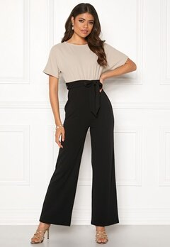Happy Holly Natalie jumpsuit Light beige / Black Bubbleroom.se
