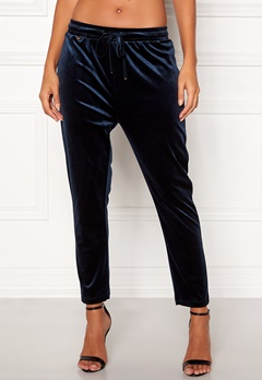 Happy Holly Pearl velour pants Dark blue Bubbleroom.se