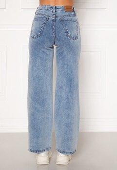 Happy Holly Peggy wide leg jeans Light denim Bubbleroom.se