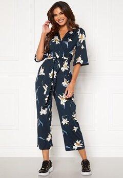 Happy Holly Simone kimono sleeve  jumpsuit Dark blue / Patterned bubbleroom.se
