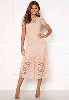 Happy Holly Taylor occasion lace dress Light pink Bubbleroom.se