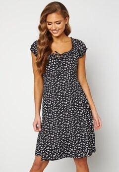 Happy Holly Tessan dress Beige / Black Bubbleroom.se