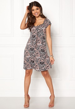 Happy Holly Tessan dress Pink / Patterned Bubbleroom.fi