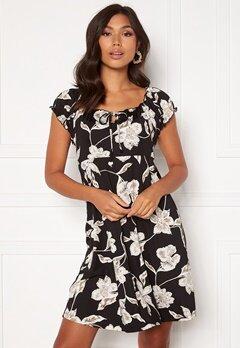Happy Holly Tessan dress Floral Bubbleroom.se