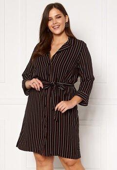 Happy Holly Thea shirt dress Black / Striped Bubbleroom.se