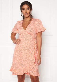 VERO MODA Henna 2/4 Wrap Dress Chintz Rose AOP Bubbleroom.se