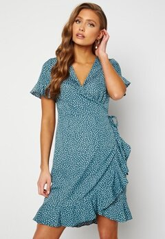 VERO MODA Henna 2/4 Wrap Dress Bluestone/Dots Bubbleroom.se