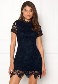 AX Paris High Neck Lace Dress Navy Bubbleroom.dk