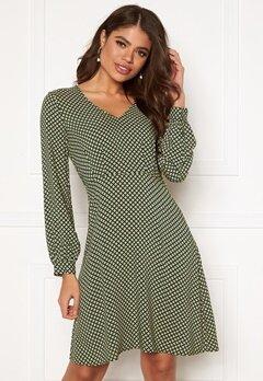 ICHI Alona Dress Dark Green Bubbleroom.se