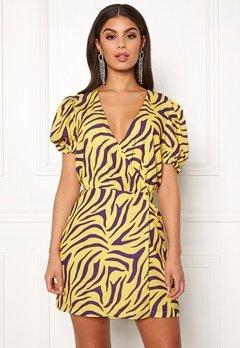 Ivyrevel Puff Sleeve Overlap Dress Purple/Yellow Bubbleroom.se
