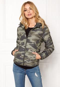 Jacqueline de Yong Ash Camo Nylon Jacket Kalamata Bubbleroom.se