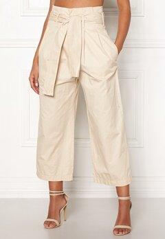 Jacqueline de Yong Donna Paperwaist Pants Sandshell Bubbleroom.se