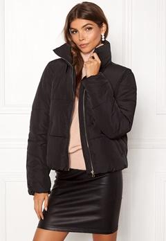Jacqueline de Yong Erica Short Padded Jacket Black Bubbleroom.se