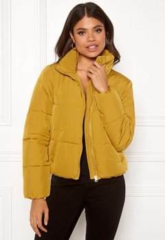 Jacqueline de Yong Erica Short Padded Jacket Harvest Gold Bubbleroom.se