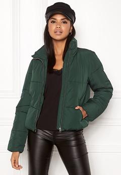 Jacqueline de Yong Erica Short Padded Jacket Ponderosa Pine Bubbleroom.se