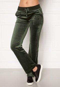 Juicy Couture Del Ray Classic Velour Pant Dark Moss Bubbleroom.se