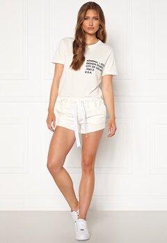 KENDALL + KYLIE K&K Active Turn Me On Shorts White Bubbleroom.se