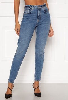 Pieces Leah Mom HW Jeans Medium Blue Denim Bubbleroom.se