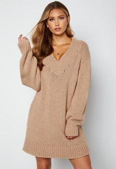 Lojsan Wallin x BUBBLEROOM Chunky knitted sweater dress Light beige bubbleroom.se