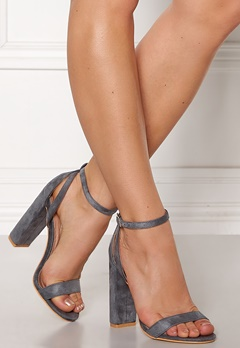LOST INK Blaise Block Heel Sandal Grey Bubbleroom.se
