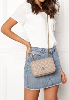 Love Moschino Bag With Chain 108 Taupe/Sand Bubbleroom.se