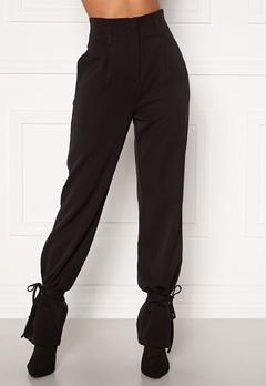 Martine Lunde X Bubbleroom Tied suit trousers Black Bubbleroom.se