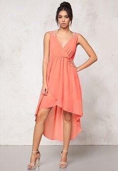 Model Behaviour Felicia Dress Peach Bubbleroom.se