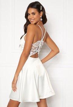 Moments New York Angela Satin Dress White Bubbleroom.se