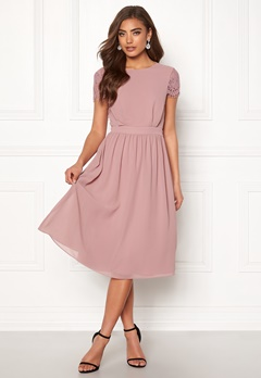 Moments New York Camellia Chiffon Dress Dark old rose Bubbleroom.se
