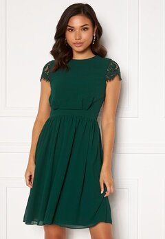 Moments New York Camellia Lace Dress Dark green Bubbleroom.se