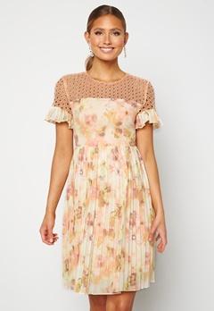 Moments New York Dana Chiffon Dress Floral Bubbleroom.se