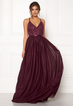 Moments New York Daphne Mesh Gown  Bubbleroom.se
