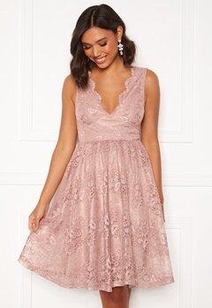 Moments New York Ella Lace Dress Pink bubbleroom.se