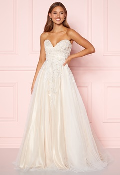 Moments New York Estelle Wedding Gown White Bubbleroom.se