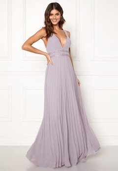 Moments New York Ivy Pleated Gown Lavender Bubbleroom.se