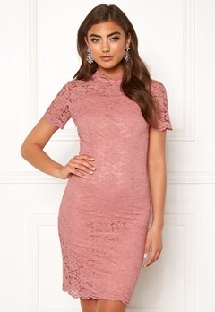 Moments New York Kassia Lace Dress Old rose Bubbleroom.se