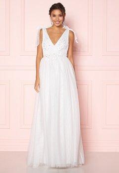 Moments New York Marguerite Wedding Gown White Bubbleroom.se
