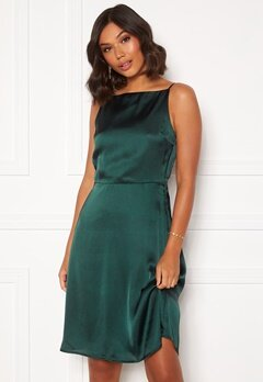 Moments New York Laylani Satin Dress Dark green Bubbleroom.se
