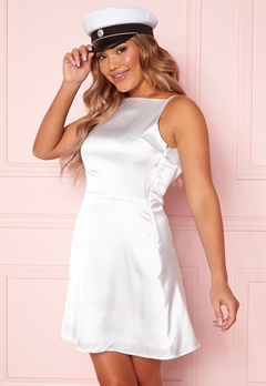 Moments New York Laylani Satin Dress White Bubbleroom.se