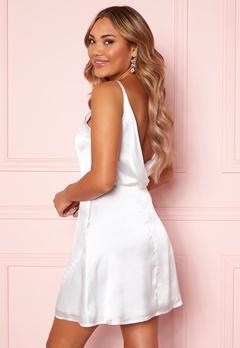 Moments New York Laylani Satin Dress White Bubbleroom.se