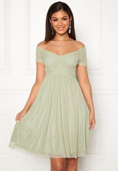 Moments New York Lily Draped Dress Dusty green Bubbleroom.se