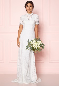 Moments New York Magnolia Wedding Gown Offwhite Bubbleroom.se