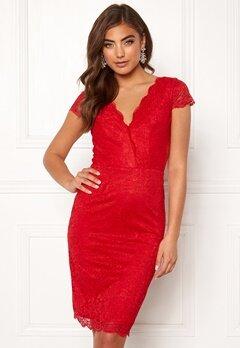 Moments New York Viola Lace Dress Red Bubbleroom.se